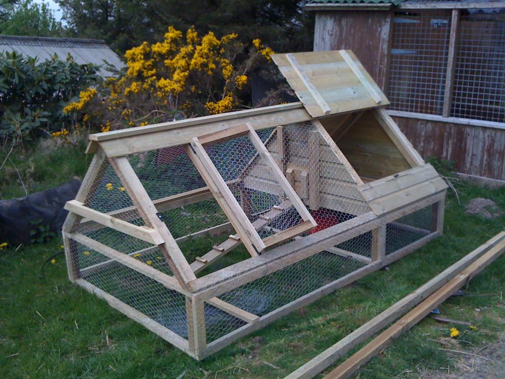 Как сделать дом для цыплят своими руками видео